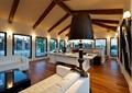客厅,木地板,壁灯,落地灯,沙发,茶几