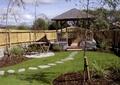 庭院景观,汀步,草坪,桌椅,亭子,围墙