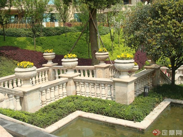 欧式别墅区景观设计图-三色堇石栈道景观石栏杆花钵