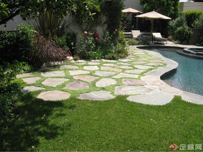 欧式风格庭院景观设计图-草坪碎拼铺装花卉植物景观