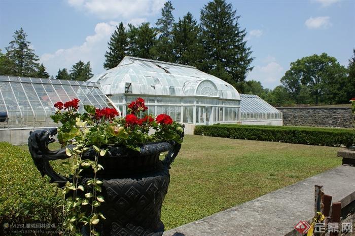 某欧式公园景观规划设计-天竺葵铁艺花钵矮墙-设计师