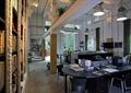 办公区,办公桌,书架,吊灯,陈设