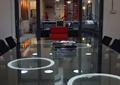 玻璃会议桌,吊灯,陈设,会议室