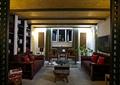 沙發茶幾,椅子,電視,陳列架