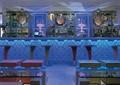 酒吧空间,高脚椅,柜台,吊灯,酒柜