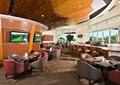 餐厅空间,沙发,方形餐桌,椅子,木制天花吊顶