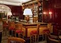 酒吧空间,柜台,台灯,酒柜,椅子