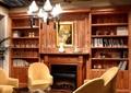 咖啡馆,木质柜子,吊灯,沙发茶几