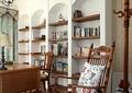 书房,书架,桌椅,木摇椅,衣帽架,灯饰
