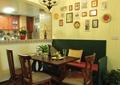 餐厅,餐桌椅,背景墙,吊灯,橱窗,餐具,摆件