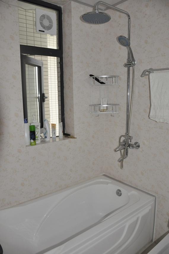 住宅空间,浴室,浴缸,窗子