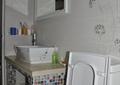 卫生间,洗漱台,镜子,洗手盆,马桶