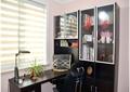 办公桌,台灯,摆件,椅子,书柜