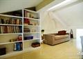 阁楼,书柜,沙发