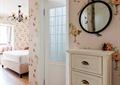 裝飾墻,梳妝臺,門,臥室,床