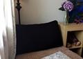卧室,床头柜,沙发,坐垫,落地灯,插花花瓶