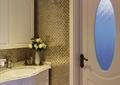 卫生间,洗漱台,插花摆件,门,背景墙