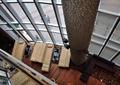 酒店,玻璃外墙,沙发,茶几,柱体装饰