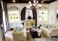客厅,沙发,茶几,吊灯,壁炉,陈设装饰,陈列柜