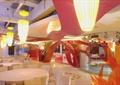 餐厅,餐桌椅,柱体装饰,吊灯