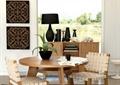 圆形餐桌,椅子,芦荟,地柜,摆件