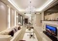 客厅,沙发,茶几,电视墙,吊灯,靠垫