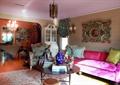 客厅,茶几,沙发,背景墙,装饰品