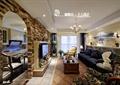 客厅,沙发,茶几,吊灯,电视墙,餐厅,壁灯