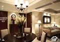 客厅,餐厅,餐桌椅,吊灯,沙发,落地灯,插话花瓶