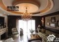 客厅,沙发,壁炉,茶几,吊灯,吊顶,照片墙