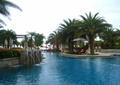 喷泉水景,景观水池,泳池,遮阳伞,躺椅