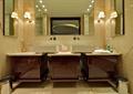 卫生间,卫浴柜,壁灯,卫浴镜,垃圾桶
