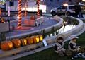 南瓜灯,矮墙,景观水池